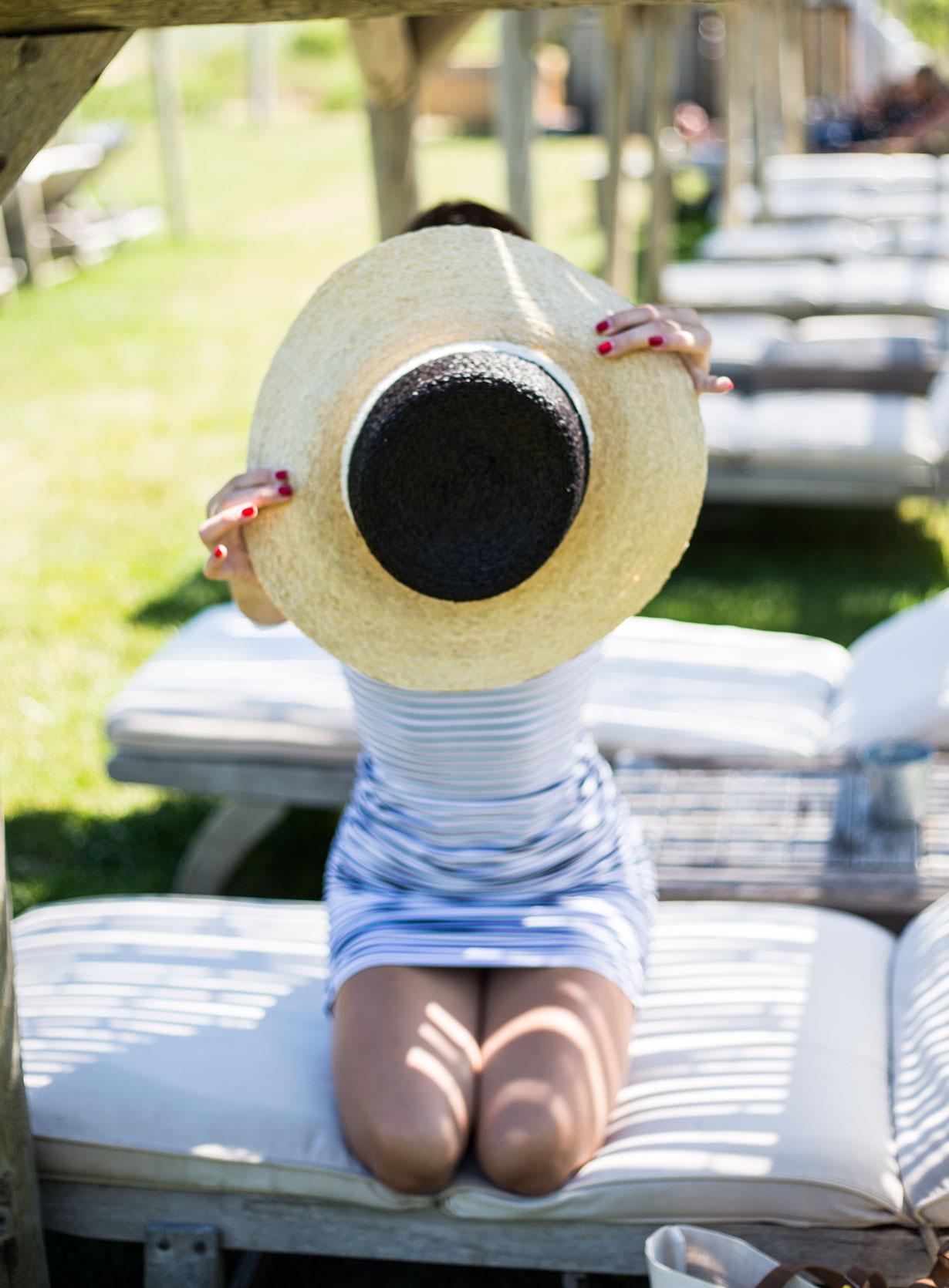 black-and-white-sun-hat
